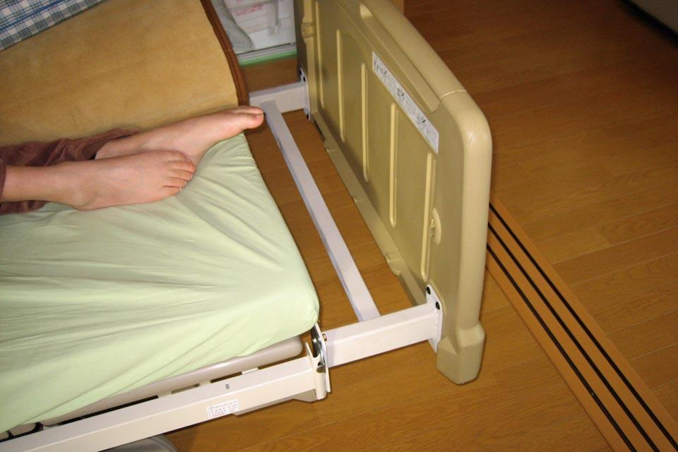 パラマウントベッド 介護ベッドの足元を延長する特注アタッチメント製作!