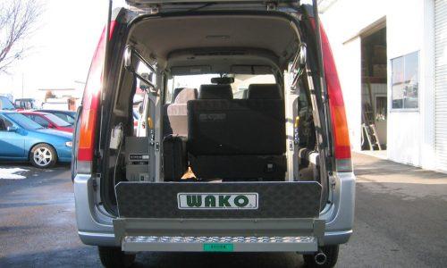 ホンダ・ステップワゴン 車いす昇降リフト装置架装