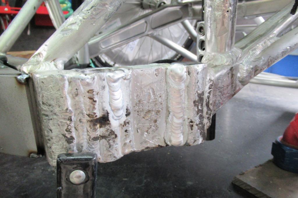 車いすラグビー(ウィルチェアーラグビー)フレーム亀裂 アルミTIG溶接修理
