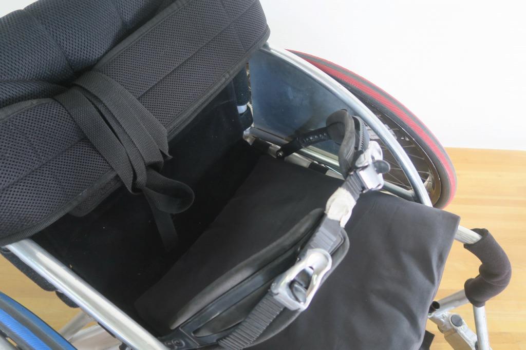 車いすラグビー(ウィルチェアーラグビー)用車いす 骨盤ベルト取付修繕