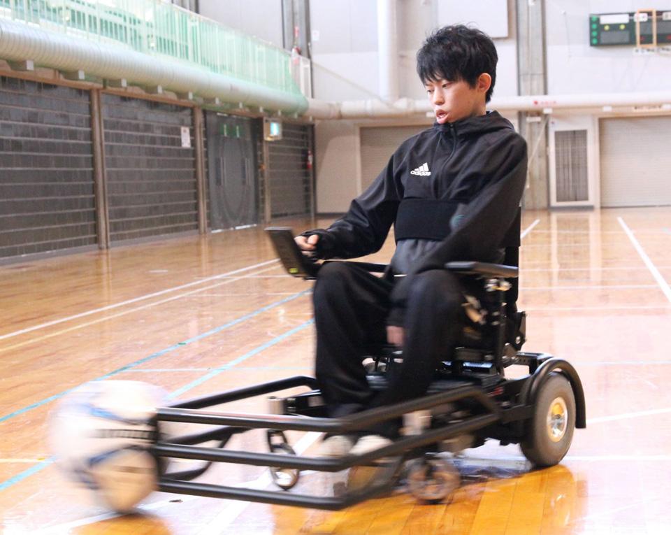 電動車椅子サッカー専用マシン「ストライクフォース」道東初上陸!