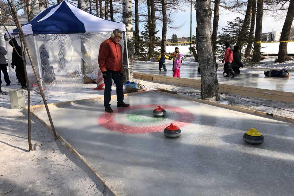 おびひろ氷まつりおびひろ氷まつり会場に設置された、特設カーリング場