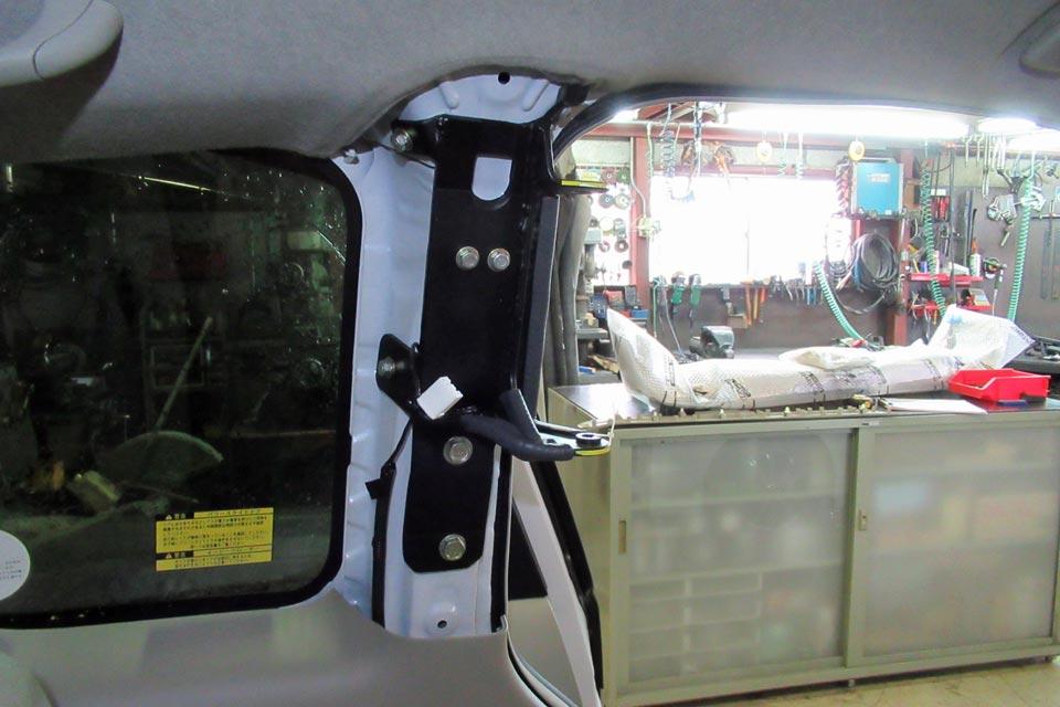 トヨタ・ポルテ カロリフト40 取付ベース