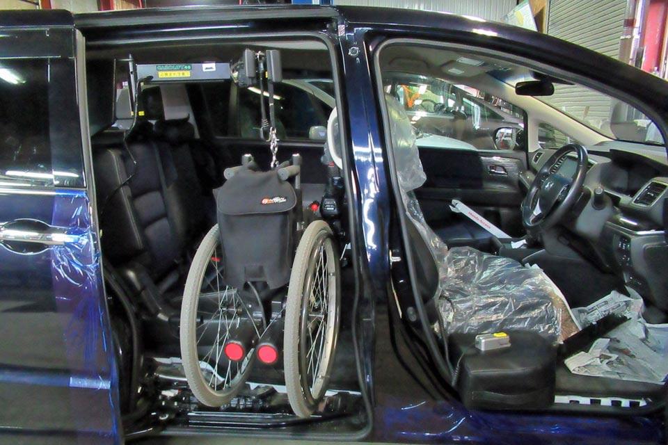 ホンダ・オデッセイ カロリフト40 簡易電動車椅子 アイシンタオライト 吊り上げテスト
