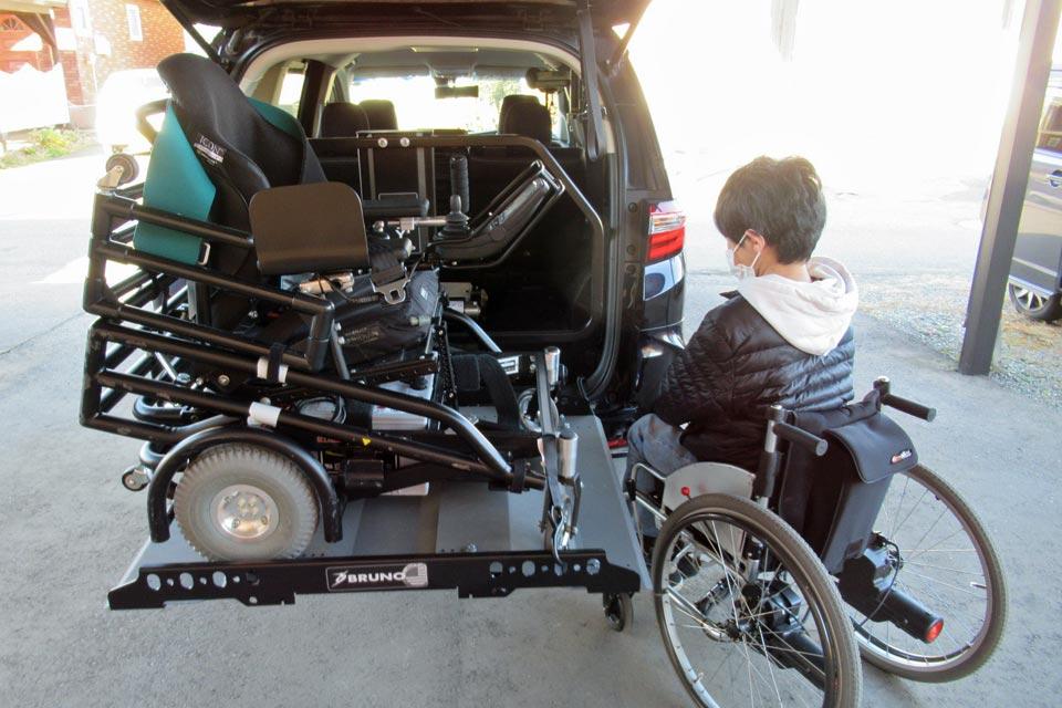日本初!電動車いす収納装置「Joey Lift(ジョーイ・リフト)」を装着したホンダ・オデッセイを納車しました!