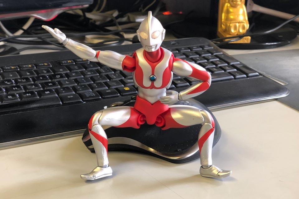 ウルトラマンの土俵入り 雲龍型(うんりゅうがた)