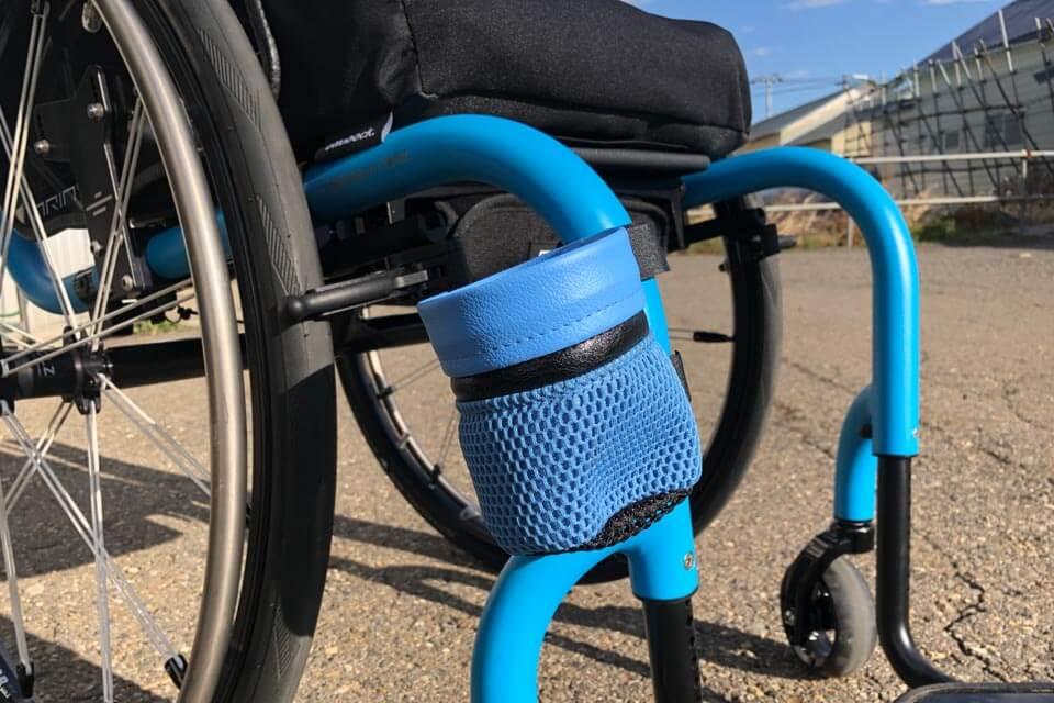 """泉谷社長から """"お土産"""" として Aria Blueに合わせて作ってくれた[COM泉屋オリジナル・ドリンクホルダー]をプレゼントしてくださいました♪"""