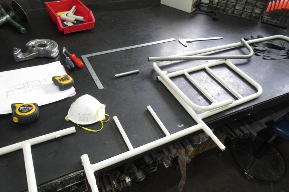 パラマウントベッドのベッドサイドレールの形状変更改造を実施