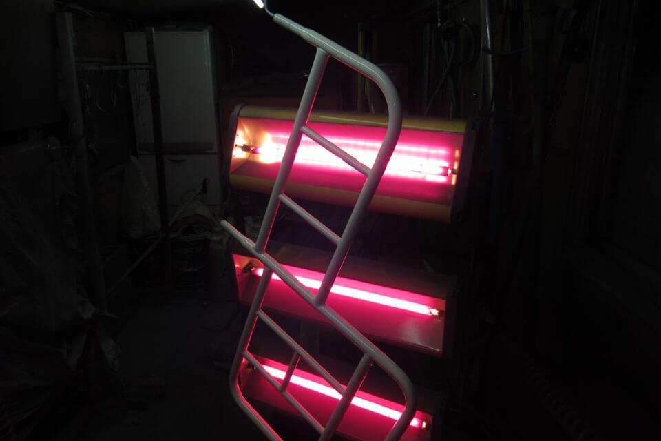 パラマウントベッドのベッドサイドレールの形状変更改造を実施 仕上げはウレタン焼付塗装を施しました